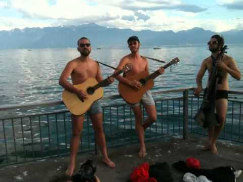 Deep In The Ocean- Trijaus video