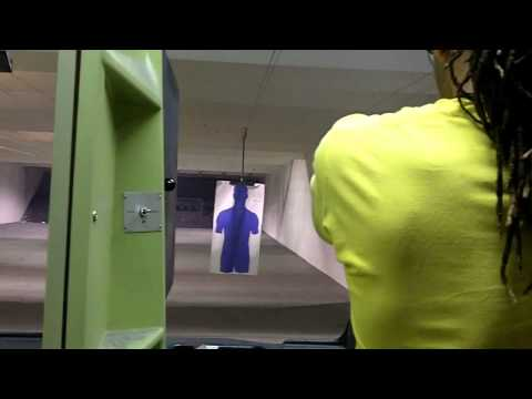Shooting Smith & Wesson .40 cal Sigma