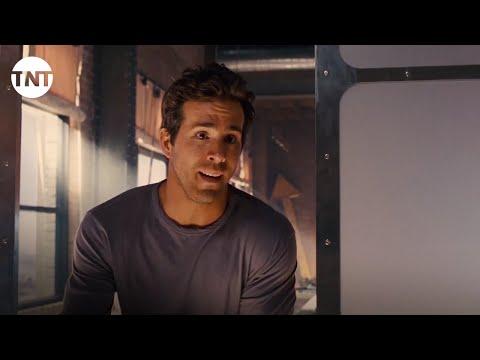 Green Lantern Movie Trailer | TNT thumbnail