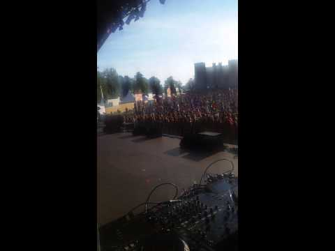 DJ Squid Main Stage Camp Bestival 2015