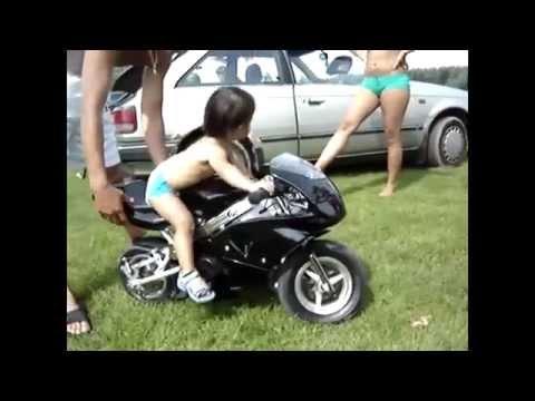 Ребёнок на мотоцикле.  Biker baby.   Дети на мотоциклах.