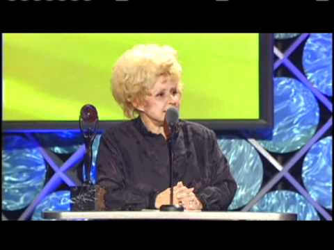 Brenda Lee accepts Rock and Roll Hall of Fame Inductions 2002