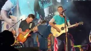 Download Lagu Coldplay w/ Michael J Fox - Earth Angel and Johnny B. Goode Gratis STAFABAND