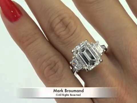 7 18ct Emerald Cut Diamond Engagement Anniversary Ring
