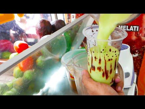Indonesian Street Food - Avocado Chocolate Milkshake / Es Alpukat