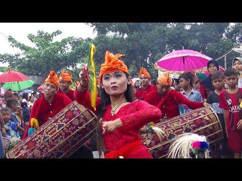 Gendang Beleq Sasak Lombok Sambil Bejogetan SERU !!!