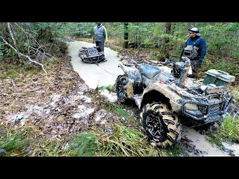Sabine ATV Park | Honda Pulling Out A Can-Am w/ The TigerTail