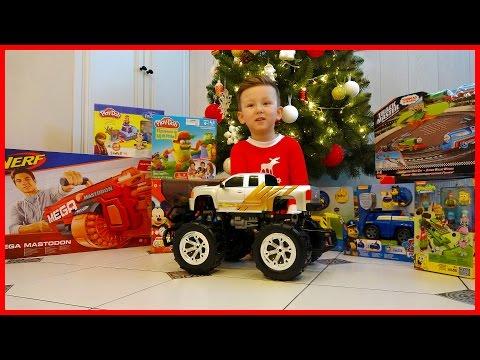 Подарки Сене от ДЕДА МОРОЗА распаковка Игрушек под Елкой Unboxing Toys