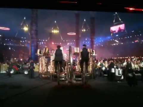 London 2012 olympic opening ceremony - Industrial revolution & Olympic rings - BACKSTAGE VIEW