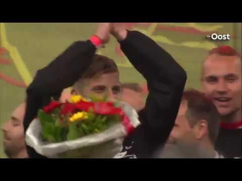 Huldiging Go Ahead Eagles op de Brink: Promotiefeest 2015 / 2016