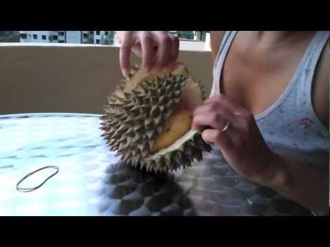 Vlog: Eating Durian in Penang Malaysia