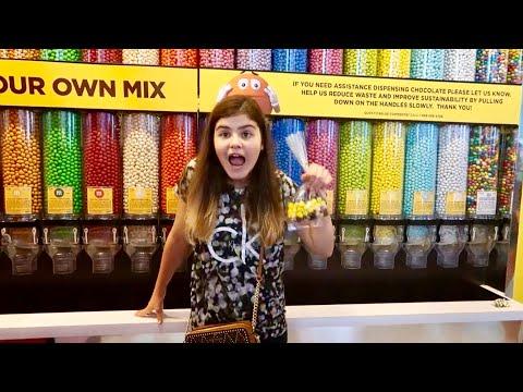 Америка Шоппинг в магазине M&M's😱 Веселая канцелярия m&m's Чехлы m&m и миллион конфет