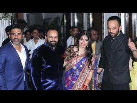 Watch Shahrukh, Kareena & Ajay Devgn @ Rohit Shetty's SISTER's wedding RECEPTION