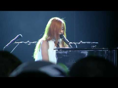 Tori Amos covers Nirvana - Smells Like Teen Spirit - Live in Concert at ...
