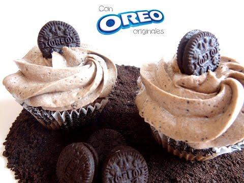Receta: Cupcake y frosting de galletas Oreo -- Vídeo receta (Paso a paso)