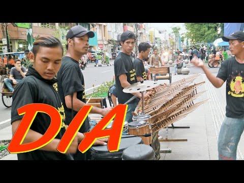 download lagu DIA Anji - Angklung Malioboro Pengamen Jogja Carehal Cari Rejeki Halal gratis
