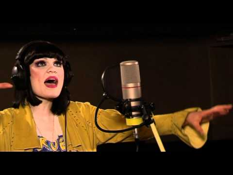 Jessie J - Stand Up (Live @ 1Xtra Lounge 2011)