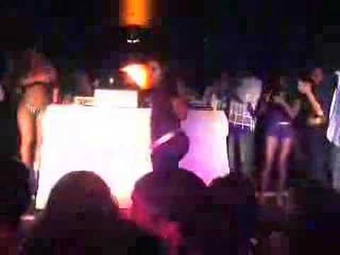 vlog #70 - Big Pimpin Booty shake contest