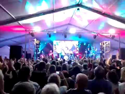 Neoton Familia 2017 Fertod, Varos napok