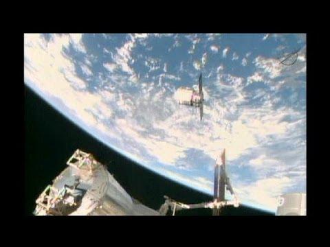 Астронавты МКС успешно тормознули космический грузовик