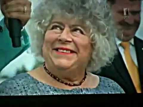 Miriam Margolyes becomes an Australian Citizen
