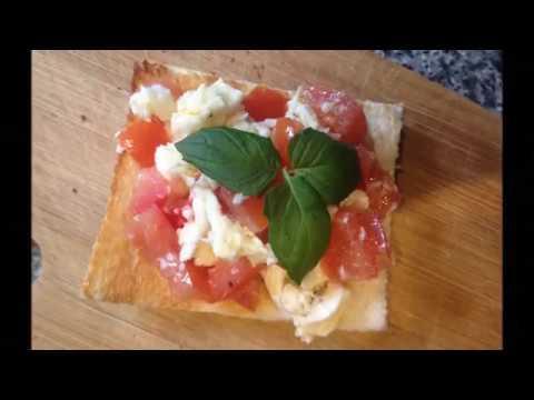 Рецепт Правильный Полезный бутерброд завтрак брускетта с моцареллой помидором