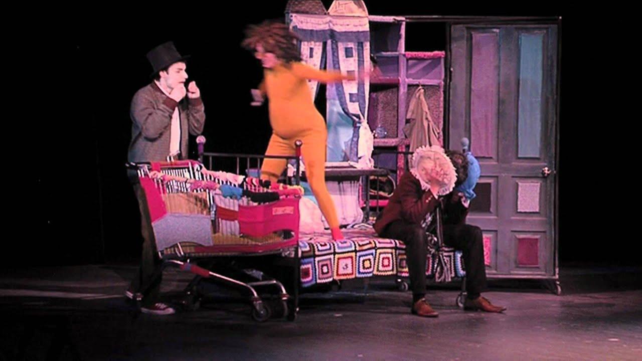 teatr-s-golimi-artistami