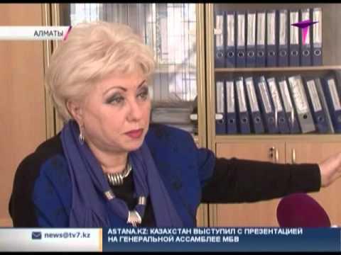 В Алматы не утихает скандал с уволенным педагогом