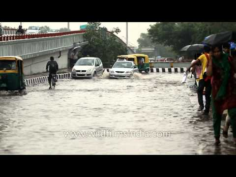 Rain causes massive waterlogging in New Delhi
