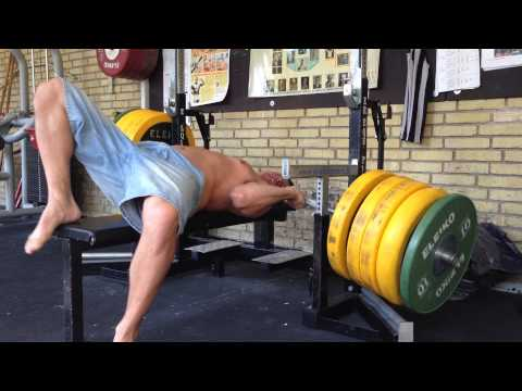 Bench Press Fail (safety bars failure)