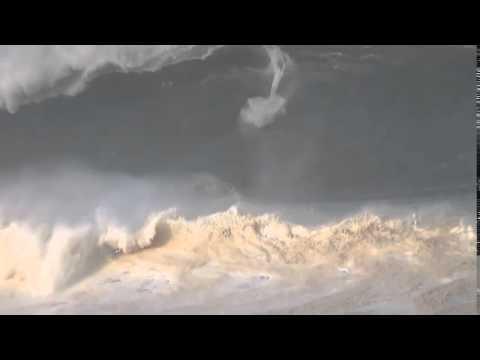 Mark Healy à l'assaut d'un Puerto Escondido XXL