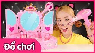Bộ trang điểm Hello Kitty và chuẩn bị party cùng đồ chơi nhà bếp | Đồ chơi | Trò chơi đóng vai