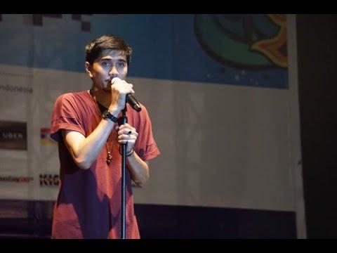 download lagu Sheila On 7 - Hujan Turun  LIVE  At Jakc gratis