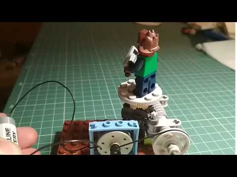 Поворотный столик из Lego