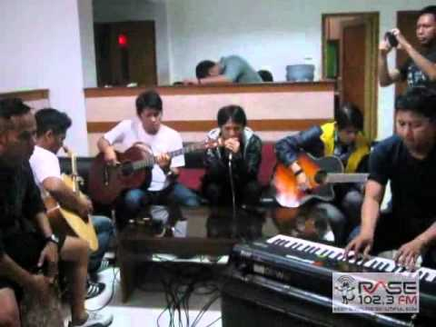 Download Lagu CAFFEINE - HIDUPKU KAN DAMAIKAN HATIMU (live on RASE FM Bandung) MP3 Free