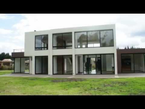 Moderna casa campestre guaymaral bogota youtube for Modelos de casas campestres modernas