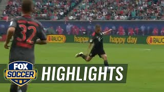 Thiago Alcántara snaps in header for Bayern Munich | 2016-17 Bundesliga Highlights