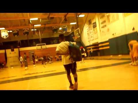 Tupelo high school varsity basketball team dunkin