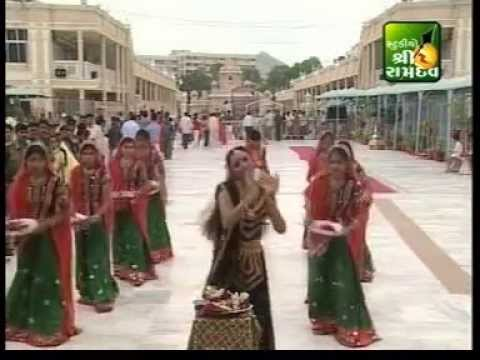 Farida Mir - Halo Ambaji Na Mele - Nonstop Garba video
