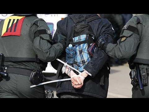 Germany: hundreds arrested as anti-immigrant AfD congress starts