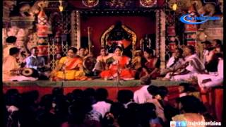 Isaiyarasi Ennaalum Video Song