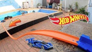 Hot Wheels Pista Suspensa no ar com Curvas - Carrinhos de Brinquedos #65