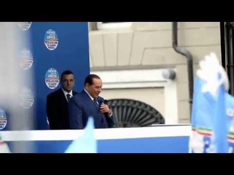 Pdl, Berlusconi sul palco a Brescia