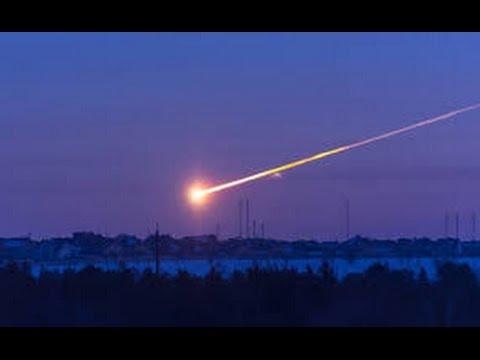 Уникальные кадры. Падение метеорита в озеро Байкал