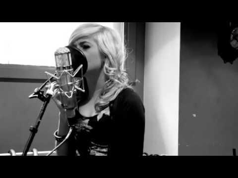 Pixie Lott - 'use Somebody' ( Kings Of Leon Acoustic Cover) video