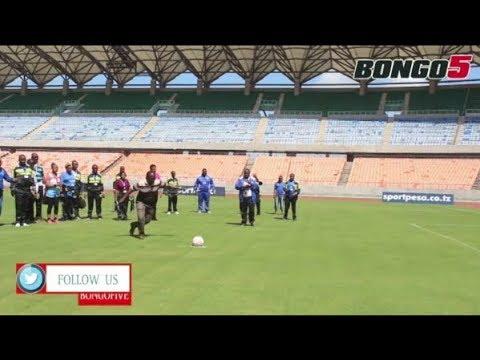Waziri Mwakyembe apiga penati kuashiria kupokea Uwanja wa Taifa kwa SportPesa