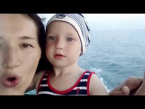 Александра катается на яхте MALIBU в Сочи!