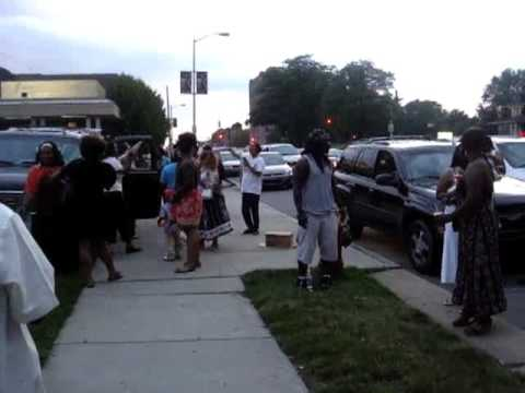 Crowd marks Michael Jackson's death at Motown Museum in Detroit