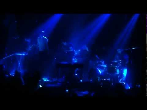 Sleeping Ute + Cheerleader by Grizzly Bear live @ la trastienda in Buenos Aires, 2013.