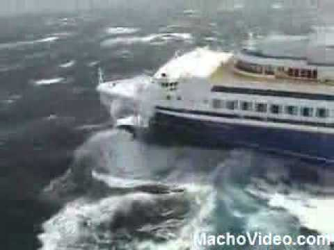 Cruise Ship Voyager Rough Seas Cruise Ship Heavy Seas